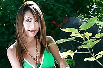 Shaved Guitar Panthip Strips Bikini Outdoors And Plays With Food