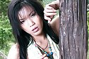 Kee Onnapha strips outdoors and spreads her pussy